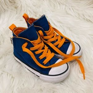 Like New- Boys Converse Velcro/ Lace Up Shoes